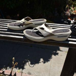 Cole Haan Shoes - WOMEN'S COLE HAAN THONG SANDALS SZ 10